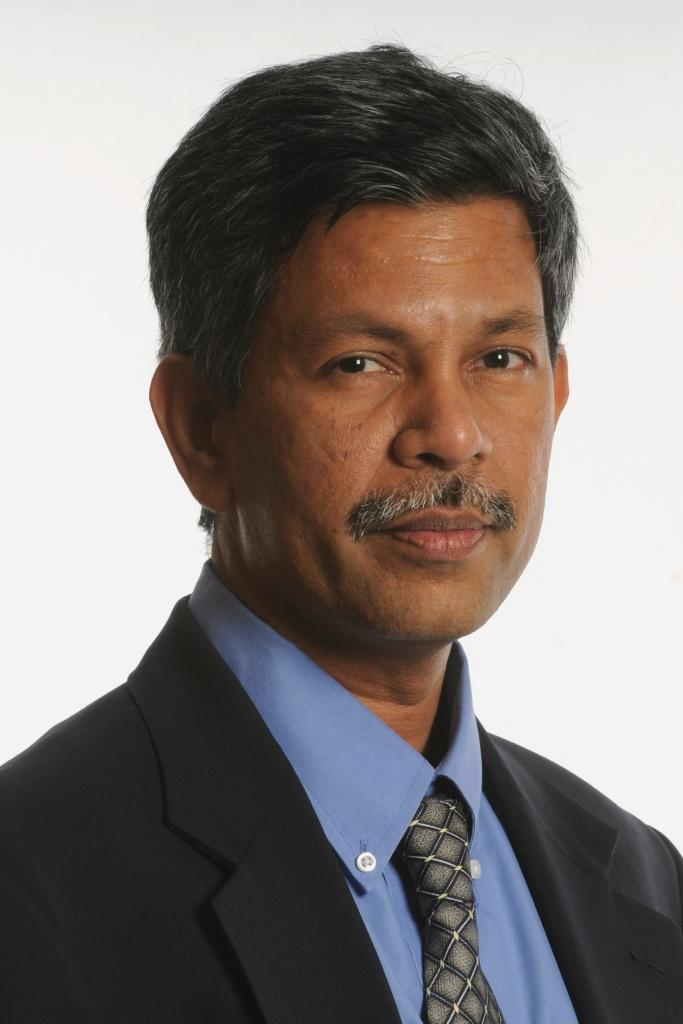 <strong&gt;2018 Breakthrough Leadership in Research Award:</strong&gt; Subrahmanyam Bulusu, Ph.D., Professor and Director of the Satellite Oceanography Laboratory, School of the Earth, Ocean and Environment, College of Arts and Sciences