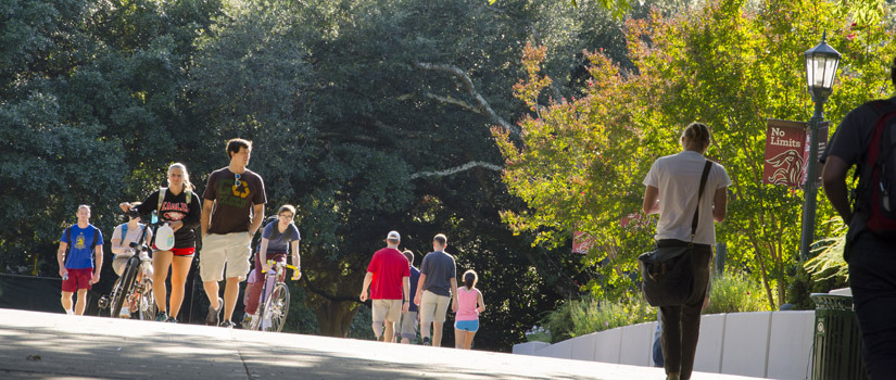 Students walking on USC campus