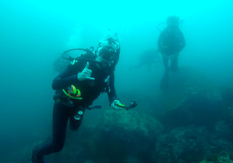Maymester student William Gosnell scuba diving off the Galapagos Islands.