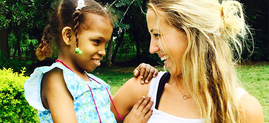 Analisa Wolff and Melissa, a little girl she meet on an alternative spring break trip to the Dominican Republic