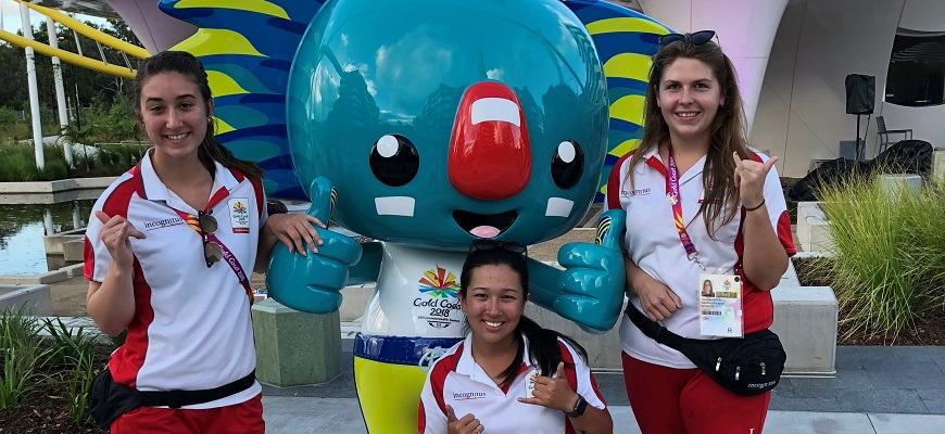Students with Commonwealth Games mascot